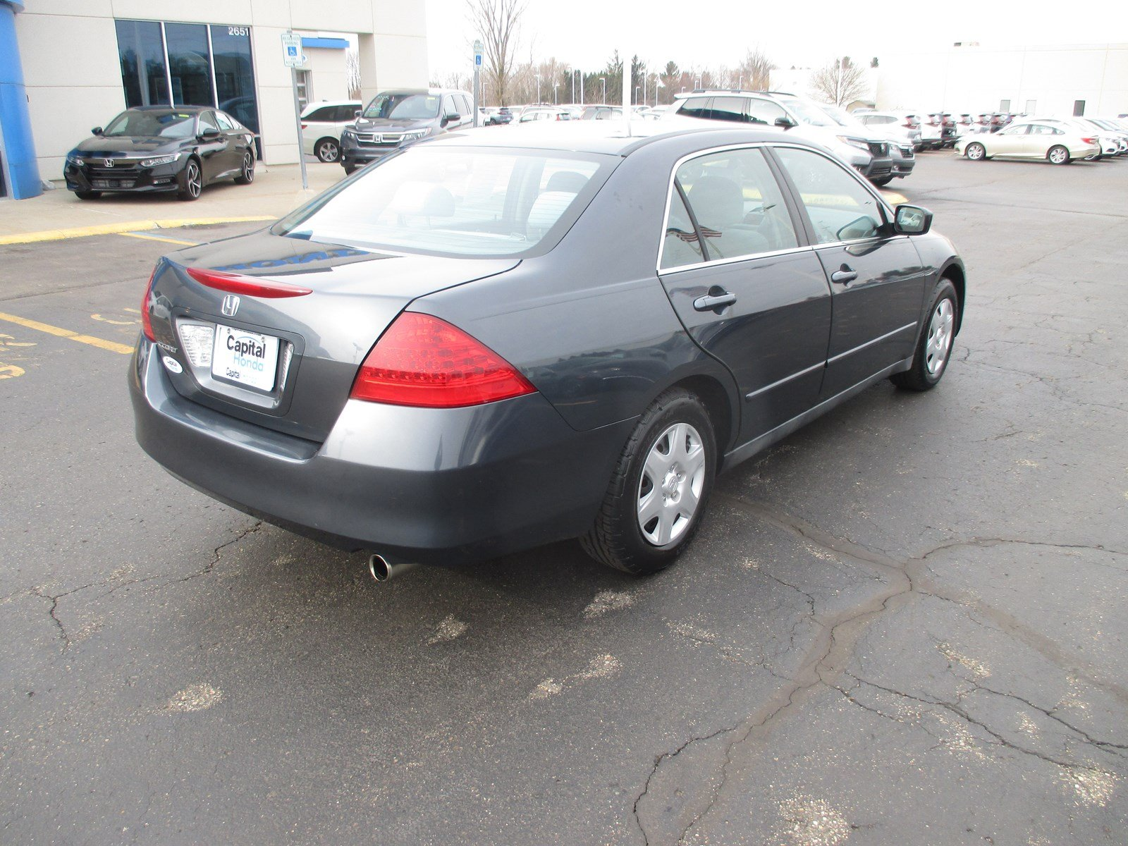 Pre-Owned 2006 Honda Accord Sdn LX