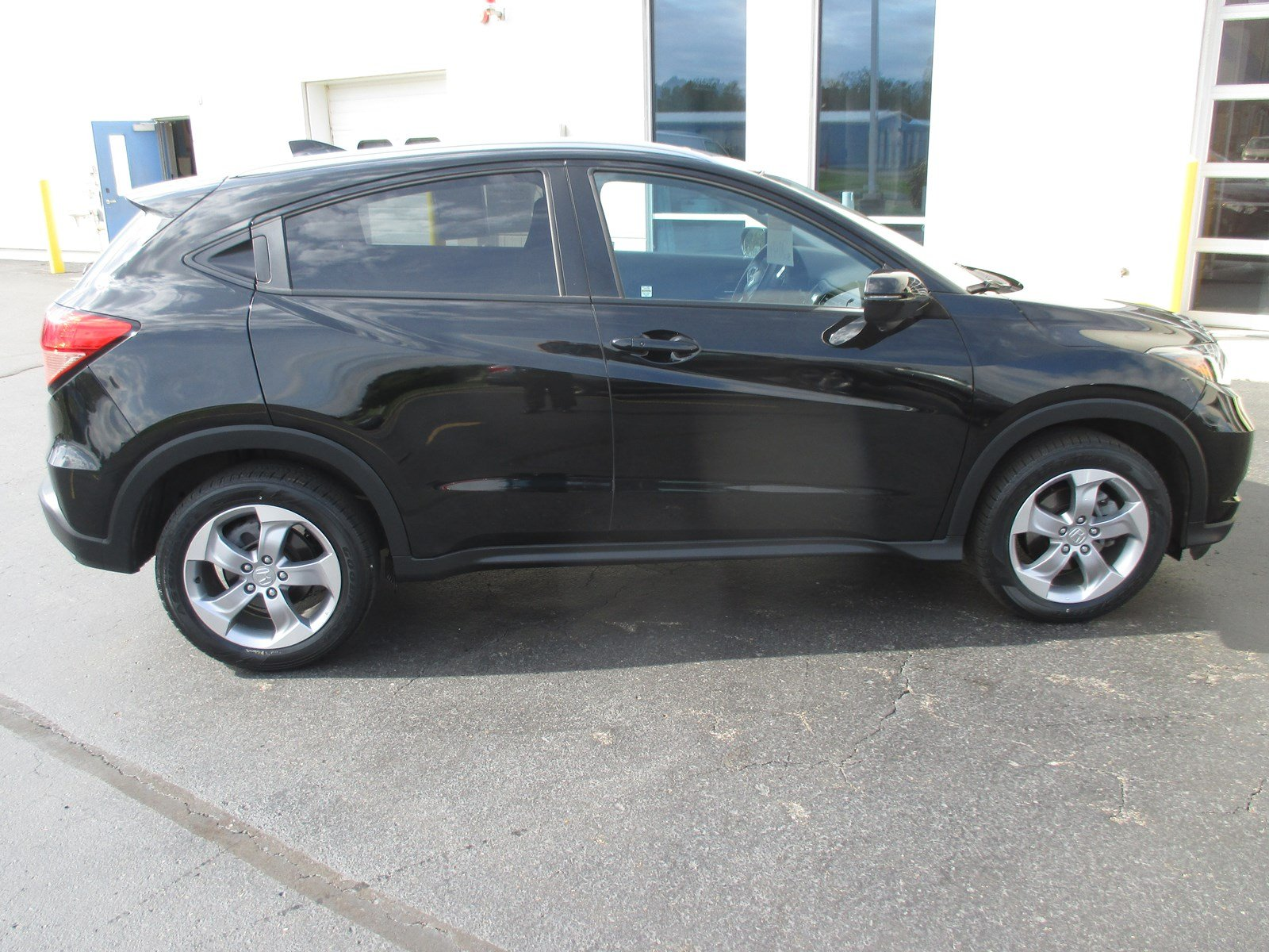 Certified Pre-Owned 2017 Honda HR-V EX-L Navi